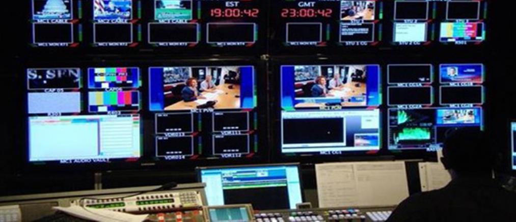 """Νέα """"μετωπική"""" στην Βουλή για τις τηλεοπτικές άδειες"""