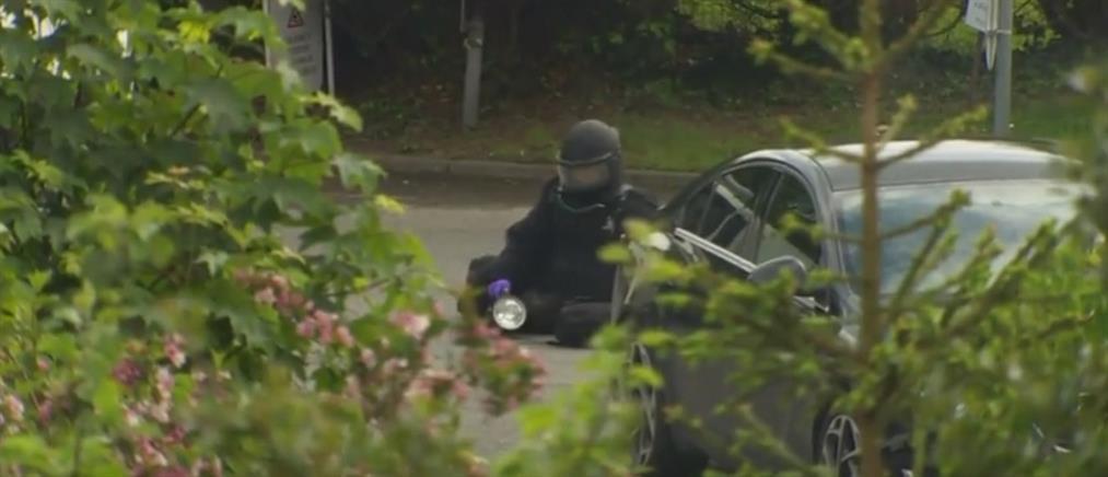 """Βόρεια Ιρλανδία: περιπολικό """"παγιδευμένο"""" με βόμβα (βίντεο)"""