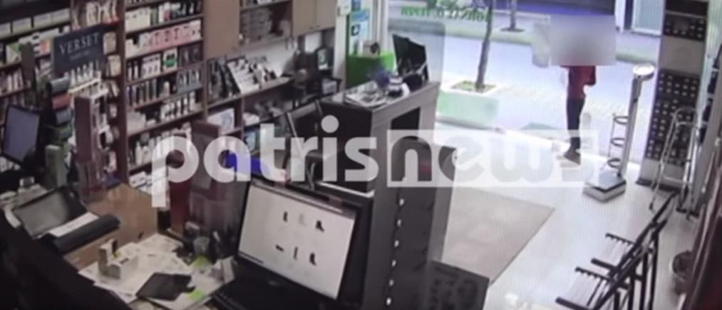 """Βίντεο: 7χρονος """"ξαφρίζει"""" φαρμακείο στον Πύργο"""