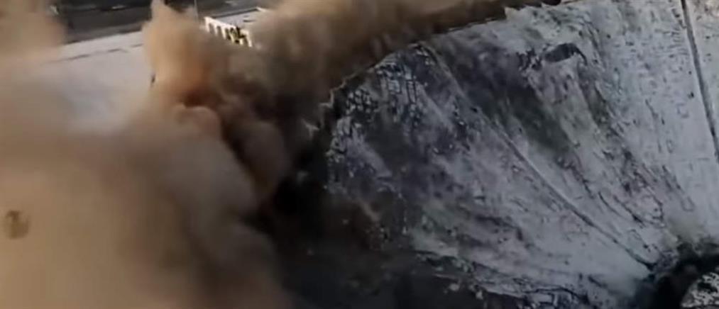 Βίντεο-σοκ: νεκρός εργάτης από κατάρρευση οροφής σε στάδιο
