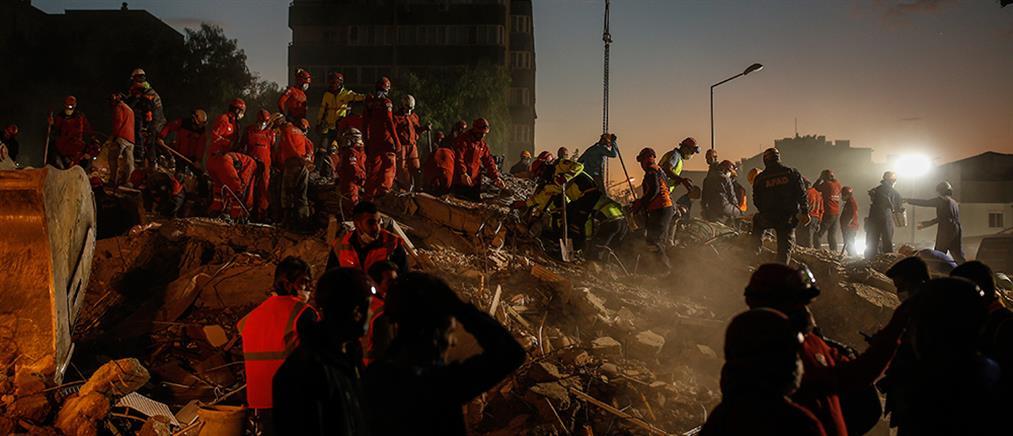Σεισμός στη Σμύρνη: μακραίνει η λίστα με τα θύματα