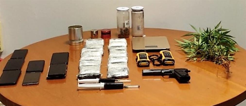 Βρέθηκε αποθήκη ναρκωτικών στην Βάρη (εικόνες)