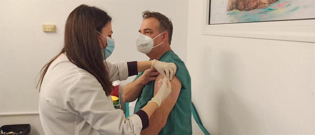 Κορονοϊός – εμβόλιο: έρχονται νέες ελευθερίες για τους πλήρως εμβολιασμένους