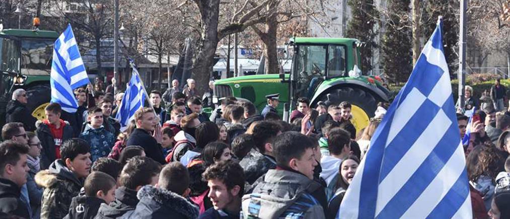 Με τα τρακτέρ στους δρόμους ενάντια στη Συμφωνία των Πρεσπών (βίντεο)