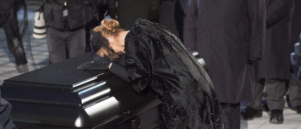 """""""Φουσκωμένος"""" ο λογαριασμός για την κηδεία του συζύγου της Σελίν Ντιόν"""