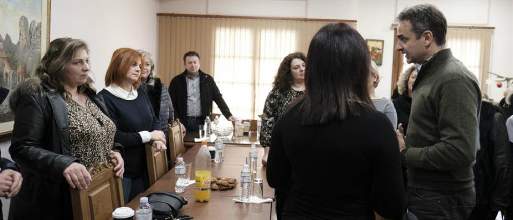 """Μητσοτάκης: προσλήψεις μόνιμων υπαλλήλων στο πρόγραμμα """"Βοήθεια στο Σπίτι"""""""