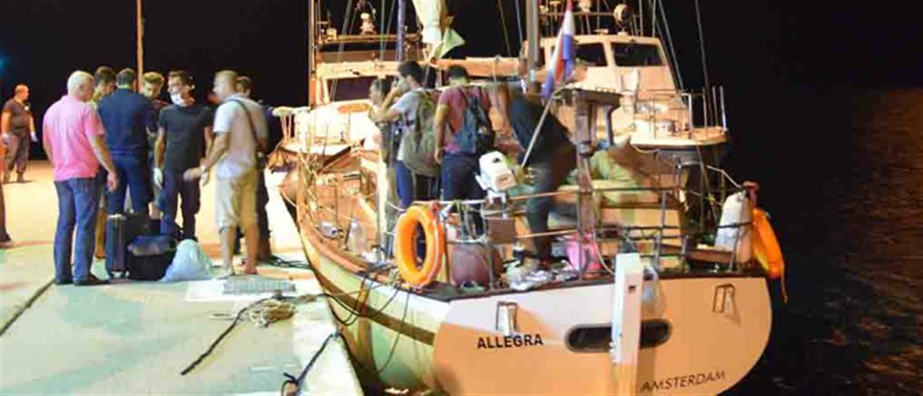 Θρίλερ με ιστιοφόρο που μετέφερε πρόσφυγες (εικόνες)