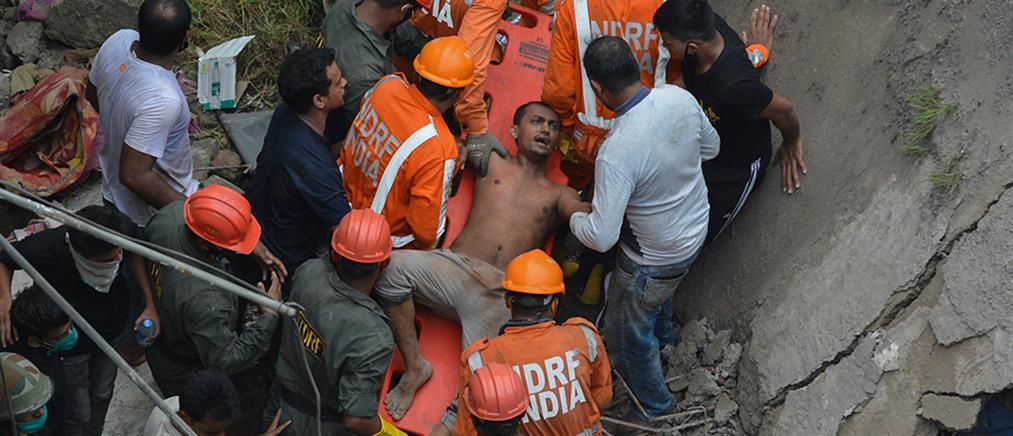 Ινδία: Πολύνεκρη κατάρρευση πολυκατοικίας (εικόνες)