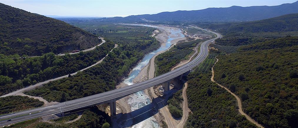 Συνδέεται με τη γέφυρα Ρίου – Αντιρρίου η Ιόνια Οδός