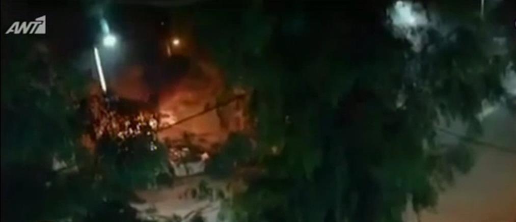Εμπρησμός οχήματος στο Παλαιό Φάληρο (εικόνες)