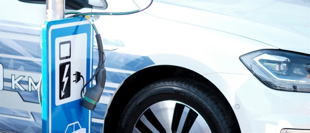 """""""Κινούμαι ηλεκτρικά"""": επιλέξιμες από σήμερα οι δαπάνες για ηλεκτρικά οχήματα"""