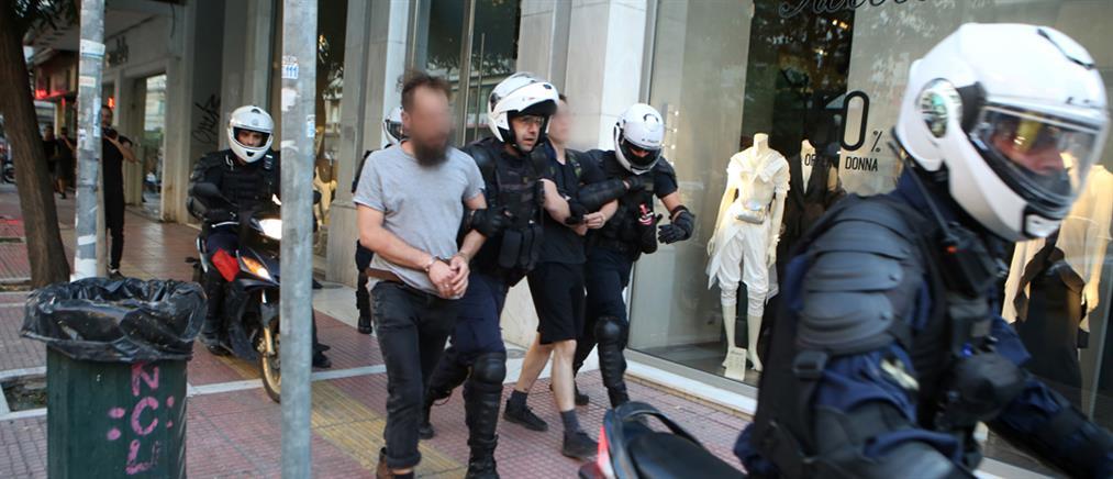 Συλλήψεις για τα επεισόδια στην ΑΣΟΕΕ