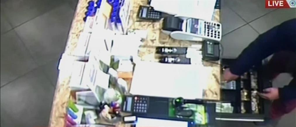 Βίντεο - ντοκουμέντο από εισβολή διαρρηκτών σε κατάστημα