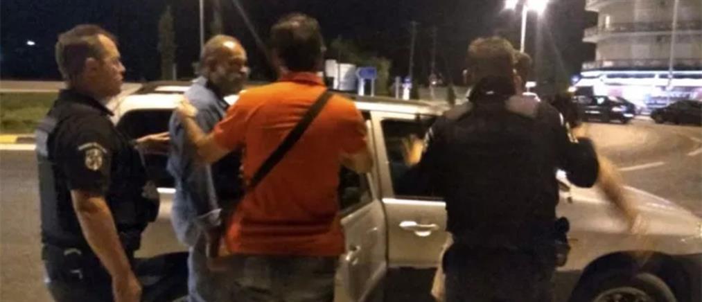 Συλλήψεις μελών του για αφισοκόλληση καταγγέλλει το ΚΚΕ
