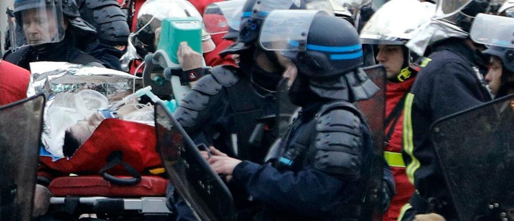 """Αστυνομικός έπαθε έμφραγμα σε διαδήλωση των """"κίτρινων γιλέκων"""" (βίντεο)"""