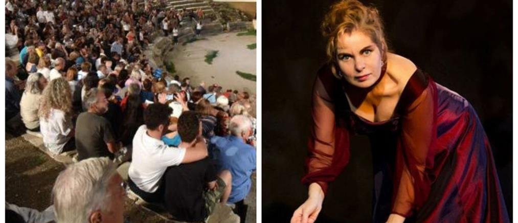 Συγκίνηση στην Επίδαυρο: Αφιέρωσαν παράσταση στην Χρύσα Σπηλιώτη (βίντεο)