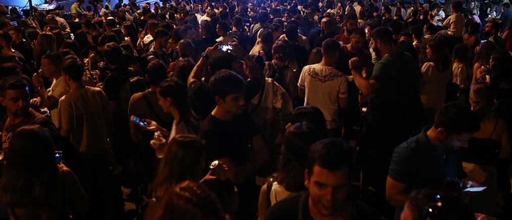 Κορονοϊός - Θεσσαλονίκη: Νέοι μετατρέπουν σε κλαμπ την Αρχαία Αγορά