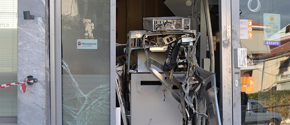 Ισχυρή έκρηξη σε ΑΤΜ έξω από σούπερ μάρκετ στην Εκάλη