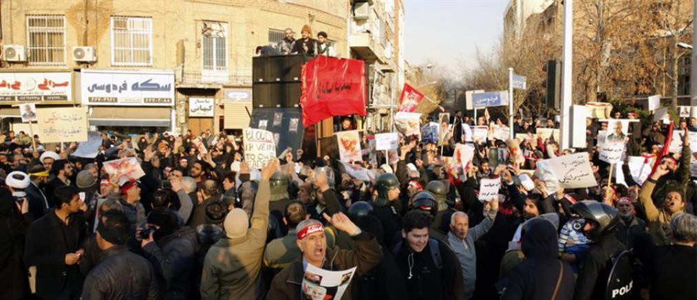 Ιράν: Βίντεο με πυροβολισμούς κατά διαδηλωτών