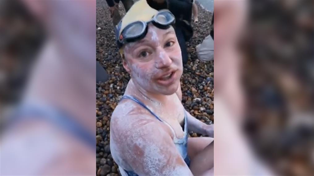 Αμερικανίδα διέσχισε τέσσερις φορές τη Μάγχη κολυμπώντας, χωρίς παύση