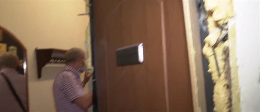 """Τσακαλώτος: Διαρρήκτες έκαναν """"γυαλιά-καρφιά"""" την πολυκατοικία με το γραφείο του (βίντεο)"""