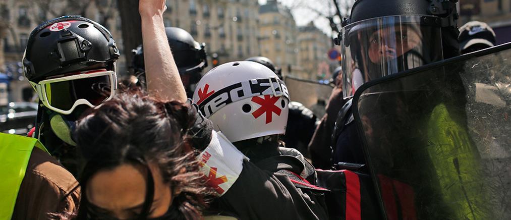 """Νέες συγκρούσεις αστυνομίας – """"κίτρινων γιλέκων"""" (βίντεο)"""