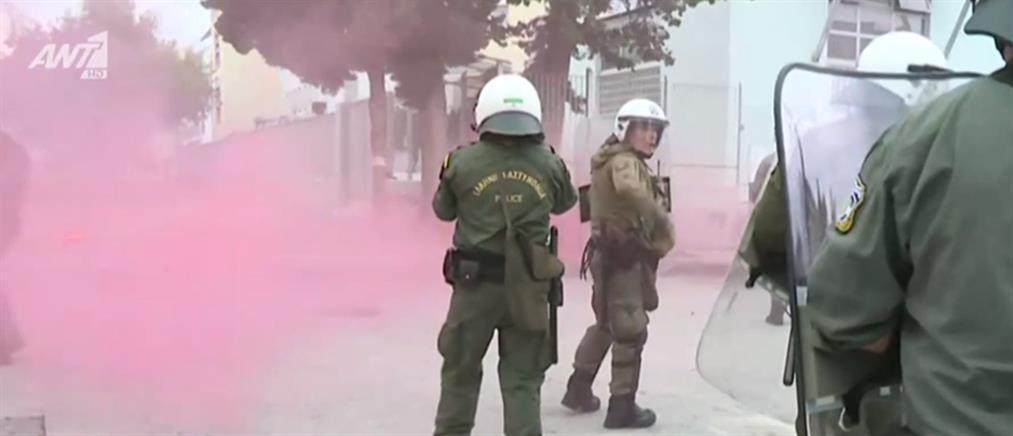ΕΠΑΛ Σταυρούπολης: Νέα επεισόδια με μολότοφ και χημικά (βίντεο)