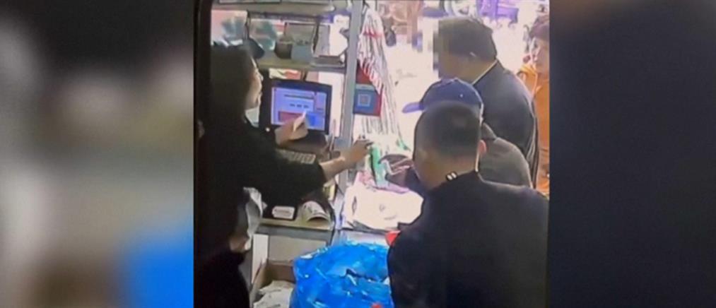 Κερδισμένο λαχείο πετάχτηκε στα σκουπίδια (βίντεο)