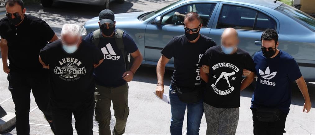 Ηλιούπολη: ποιος είναι ο αστυνομικός που κατηγορείται ότι εξέδιδε την 19χρονη (εικόνες)