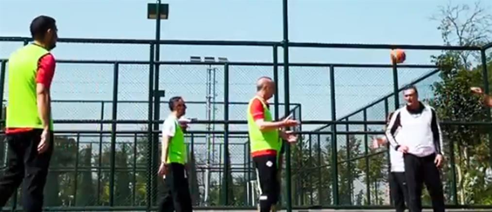 Ερντογάν: Με... μπάσκετ απαντά στα δημοσιεύματα για την υγεία του (βίντεο)