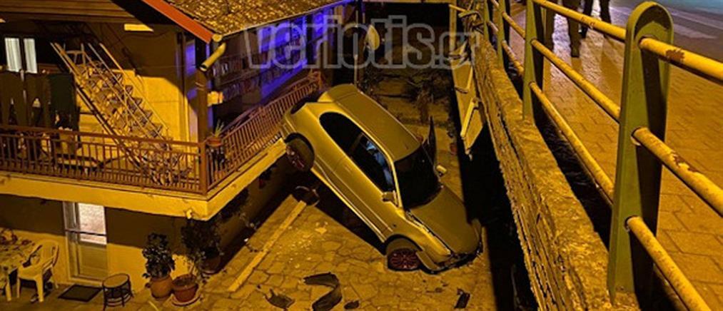 Αυτοκίνητο έπεσε σε σπίτι και έσπειρε τον τρόμο (εικόνες)