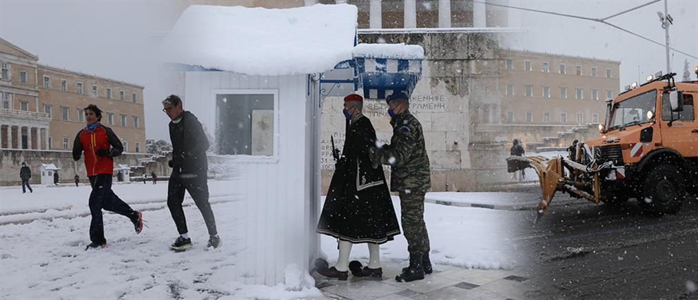 """""""Μήδεια"""": Λευκή Ομόνοια, χιονοπόλεμος στο Σύνταγμα και εκχιονιστικά στο Κολωνάκι (εικόνες)"""