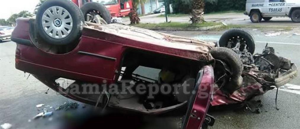 Αυτοκίνητο αναποδογύρισε και σύρθηκε στην άσφαλτο (φωτο)