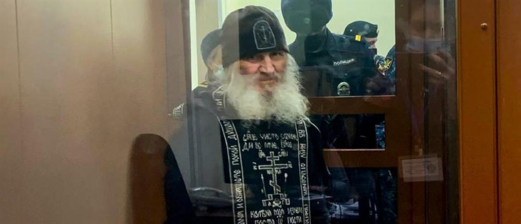Ιερέας προέτρεπε τις μοναχές να αυτοκτονήσουν