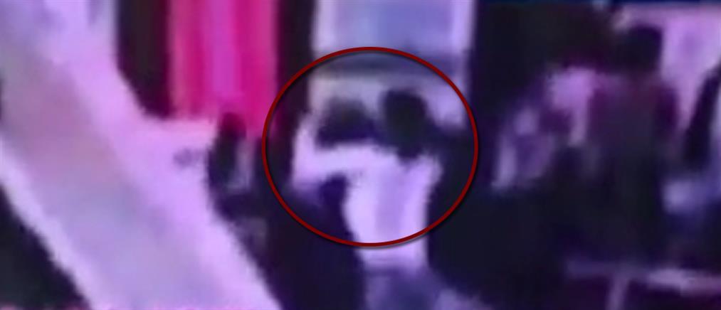 Καρέ καρέ η δολοφονία του Κιμ Γιονγκ Ναμ (βίντεο)
