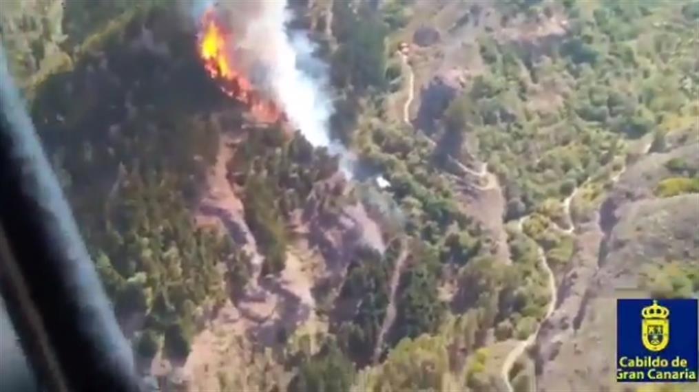 Πυρκαγιά σε τουριστικό θέρετρο στα Κανάρια Νησιά