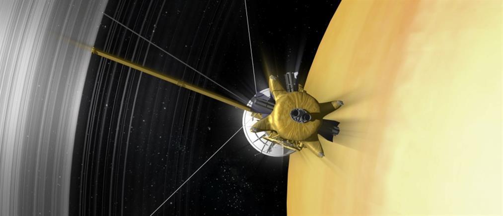 """Το Cassini """"αυτοκτονεί"""" στον  Κρόνο"""