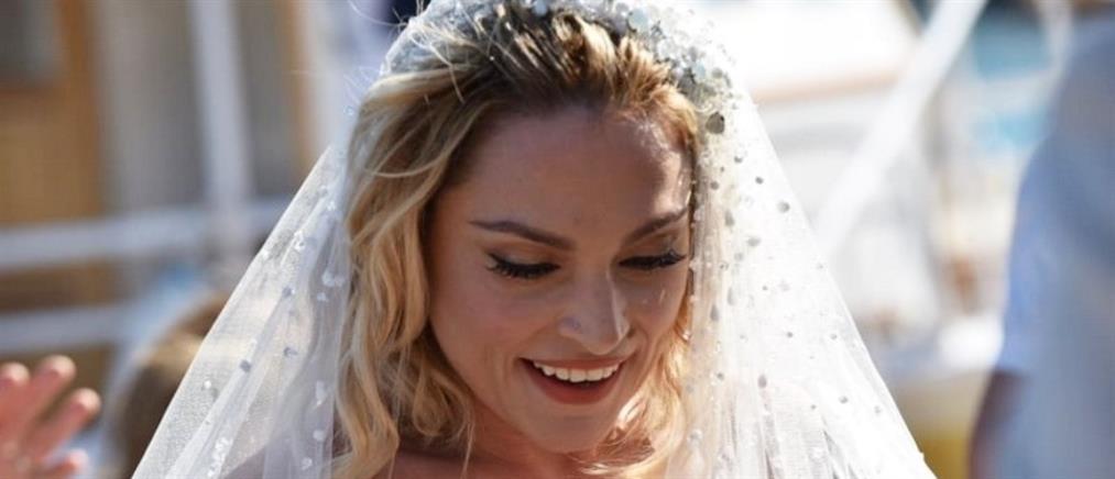 Ελεονώρα Ζουγανέλη: Ο γάμος στις Σπέτσες και το νυφικό που επέλεξε (εικόνες)