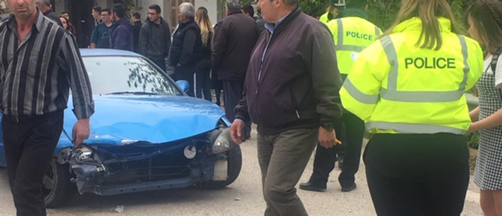 Σοκαριστικό τροχαίο: αυτοκίνητο παρέσυρε μαθήτριες (βίντεο)
