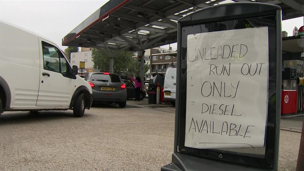 Βρετανία: ουρές χιλιομέτρων για καύσιμα
