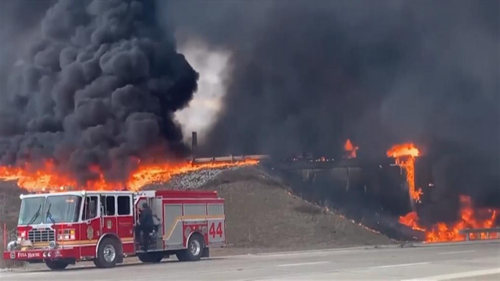 Φωτιά σε πετρελαιοφόρο φορτηγό στις ΗΠΑ