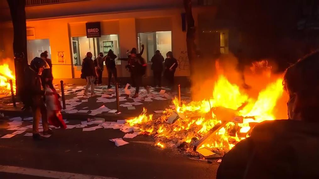 Επεισόδια σε διαδήλωση κατά της αστυνομικής βίας στο Παρίσι