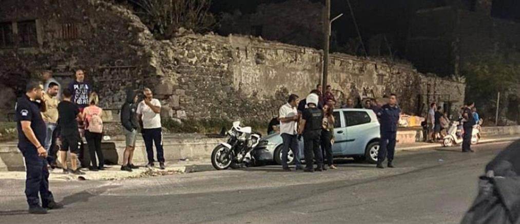 Λέσβος: Αυτοκίνητο παρέσυρε διαδηλωτές (εικόνες)