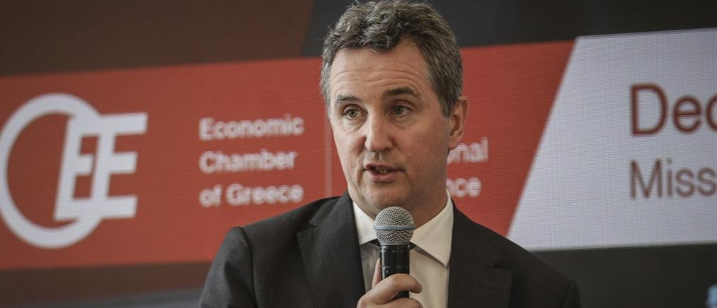 """""""Καμπανάκι"""" Κοστέλο: η Ελλάδα δεν μπορεί να αντέξει αντιστροφή των μεταρρυθμίσεων"""