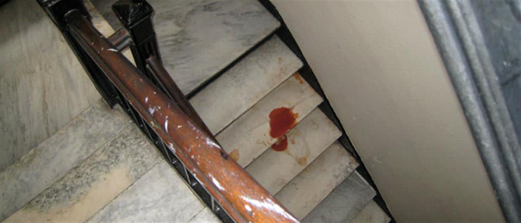 Τραγικό: έπεσε από τις σκάλες του σπιτιού του και σκοτώθηκε