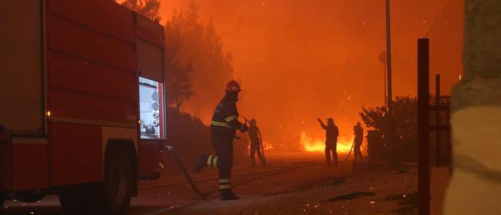 Πανικός από φωτιά σε τουριστικό θέρετρο της Κροατίας (βίντεο)