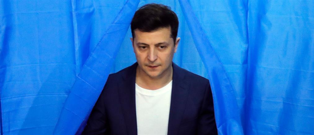 Ζελένσκι: δίνει υπηκοότητα στους πολιτικά διωκόμενους Ρώσους
