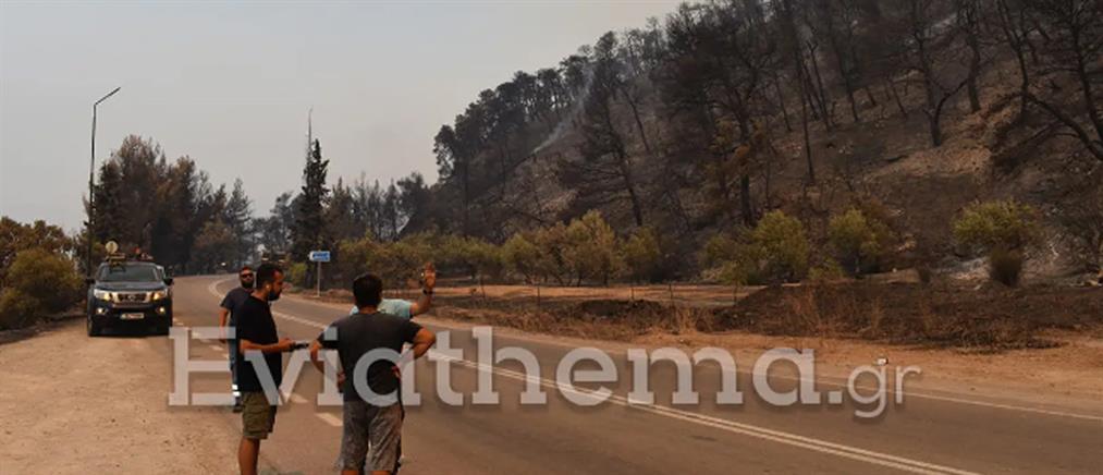Φωτιά στην Εύβοια: Εγκλωβισμένοι σε χωριά και τραυματίες πυροσβέστες