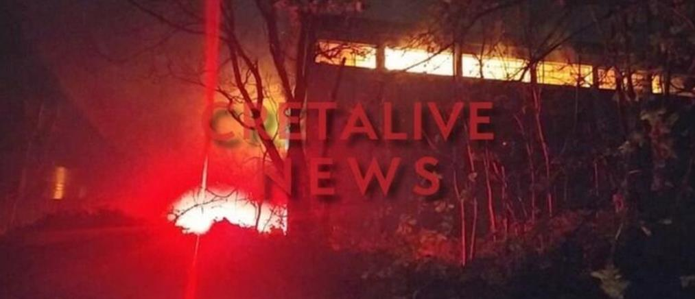 Φωτιά στις Αρχάνες - Μεγάλη κινητοποίηση της Πυροσβεστικής (εικόνες)