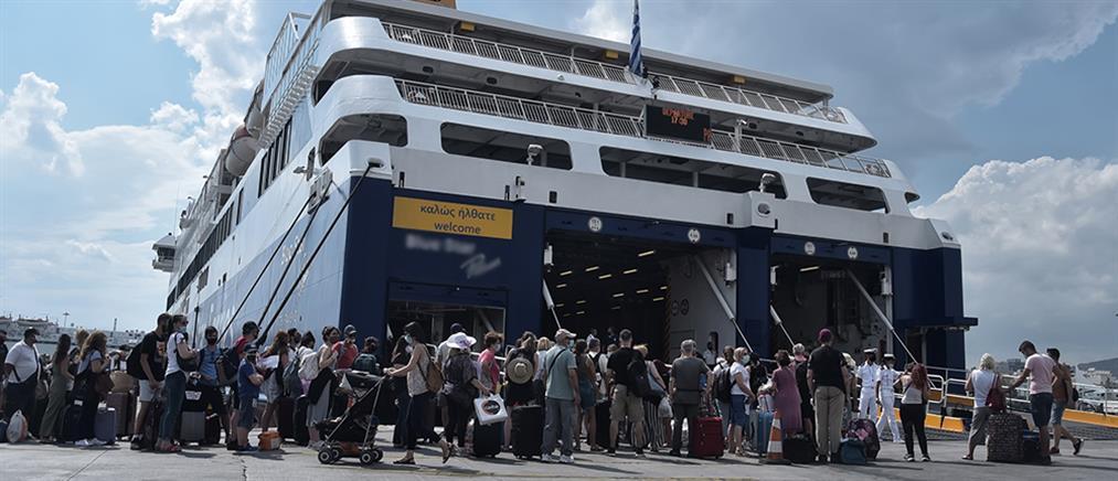 Με πλοίο προς τον Πειραιά ταξίδευαν ασθενείς του κορονοϊού
